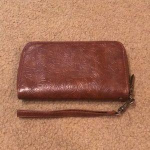 Etched wallet/wristlet